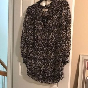 Loft blouse black with white and mustard accents